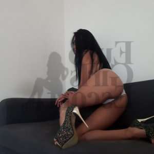 Aurea escort in Martinez
